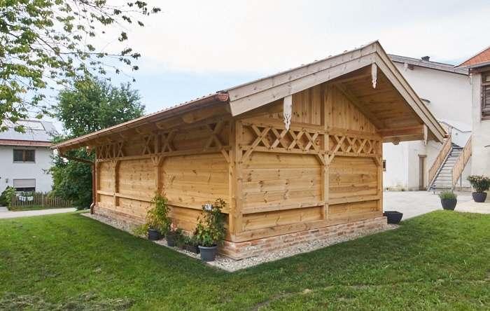 Holzgarage